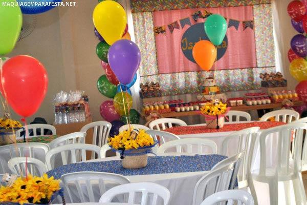 decoracao festa na roca:Observe que criativa essa decoração de mesas temática.
