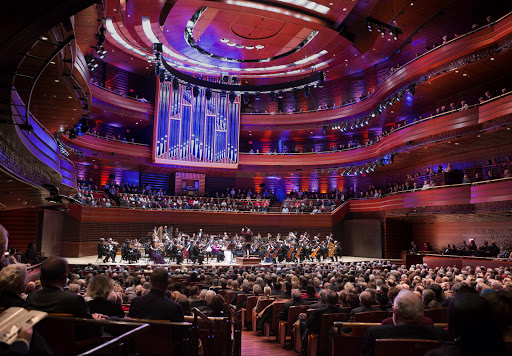 The Philadelphia Orchestra performs on New Years Eve, Thursday, Dec. 31, 2015, in Philadelphia. (Photo by Jessica Griffin)