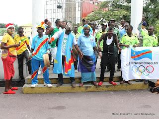 L'équipe d'animation des différentes disciplines sportives nationales le 10/04/2013 au Grand Hôtel Kinshasa, lors du lancement du tour cycliste du Congo par le premier Ministre, Matata Ponyo. Radio Okapi/Ph. John Bompengo