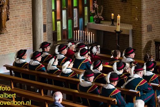 herdenkingsdienst  en een stille tocht naar het Engelse kerkhof 12-10-2014 (18).jpg