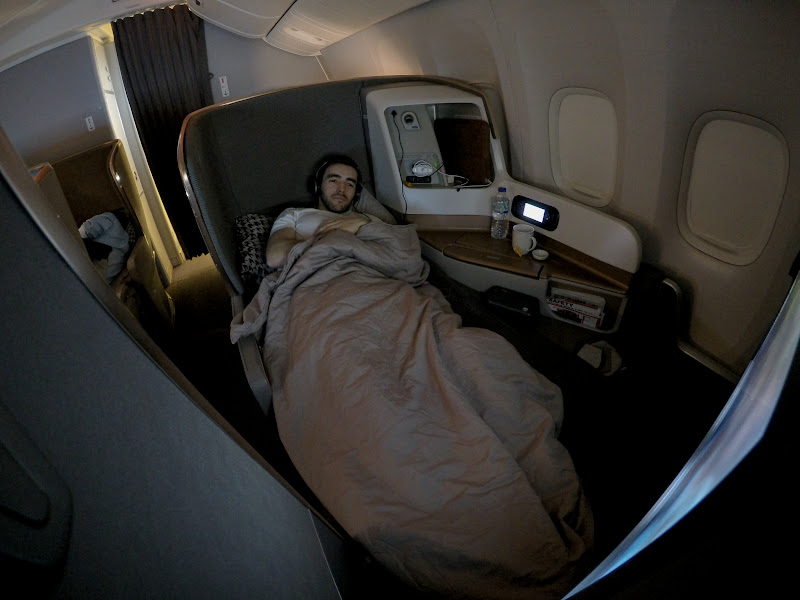 LHR SIN 57 - REVIEW - Singapore Airlines : Business Class - London to Singapore (B77WN)