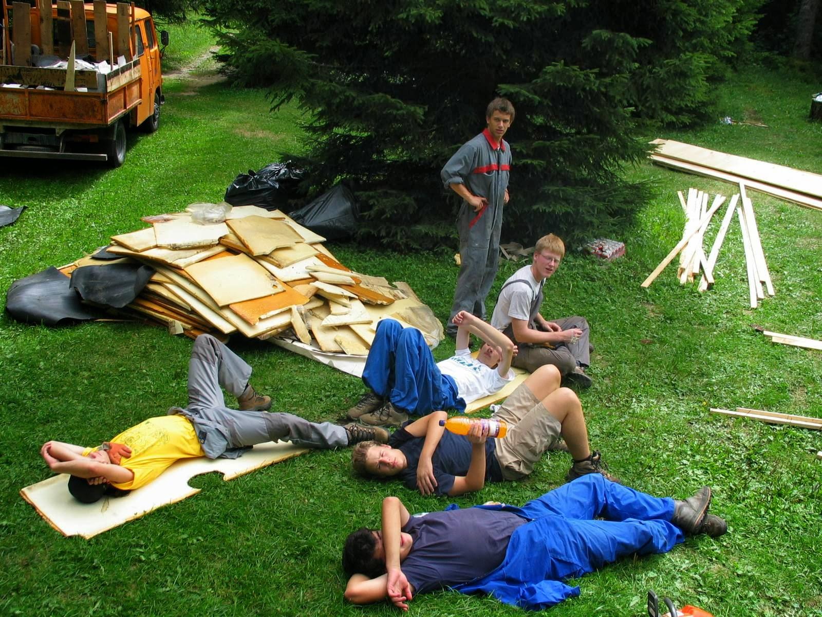 Delovna akcija - Streha, Črni dol 2006 - streha%2B093.jpg