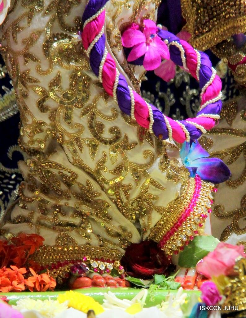 ISKCON Juhu Sringar Deity Darshan on 25th August 2016 (55)