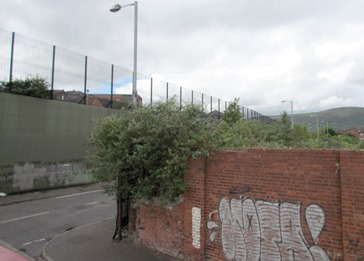 17050381 May 18 Wall Between Catholic Protestants