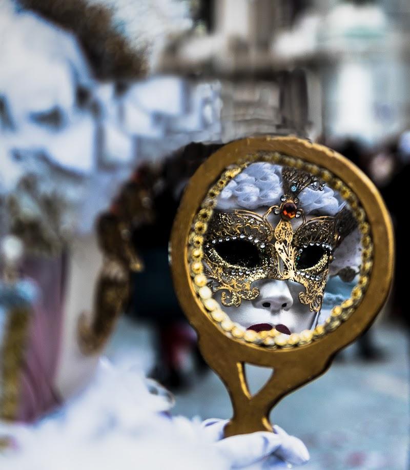 specchio specchio delle mie brame .......... di Fiore Doncovio