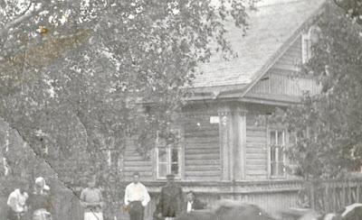 Дом Семена Грибова в Низах. Сгорел в 1941 г.(из личного архива Арно Пяристе)