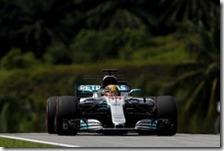 Lewis Hamilton ha conquistato la pole nel gran premio della Malesia 2017