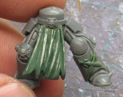 Space Marine tabard greenstuff