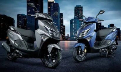 Haojue, a company that is a partner of Suzuki, which has worked together to produce many models of motorcycles. It is preparing to launch a new scooter dubbed the AFR125 2022 in China soon, with images of the bike revealed. Come out for us to see  The Haojue AFR125 will have a modern design concept. look sporty But still suitable for use in the city in daily life. It is expected to come with a 125cc engine, air-cooled ESS technology, LED lights around the bike, including CBS brakes, disc brakes, and a large under-seat storage space. Digital display screen, USB charging port, etc.   What is interesting is This moped scooter could become the basis for one future Suzuki. It is expected that the price of it. Will be about 47,000 baht together (compared to the previous model), which is considered a mid-priced Not cheap or expensive for the Chinese market of this class.