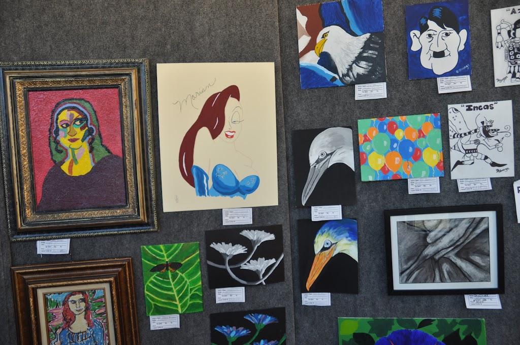 Student Art Exhibit Fall 2011 - DSC_0068.JPG