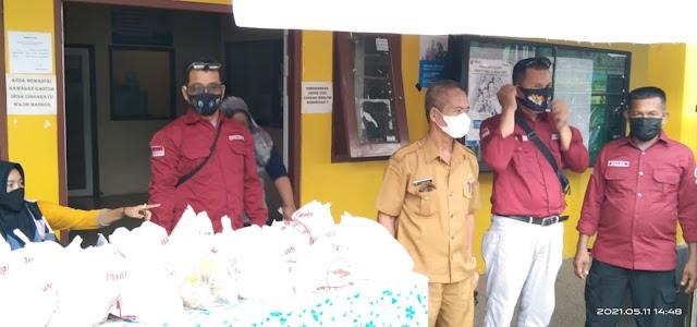 Bersama Pemdes, Rumpis Gelar Pasar Murah di Desa Dirgahayu