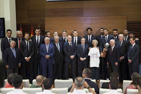 Madrid celebra la Liga ACB ganada por el Real Madrid de Baloncesto
