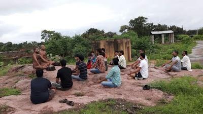 मुक्तिधाम में सिखाये मुनिश्री ने योग से अध्यात्म साधना के सूत्र - योग से होता है जीवन का कायाकल्प - मुनि श्री विशोक सागर जी