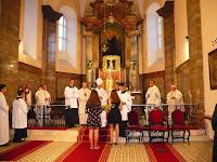 20 A helyiek köszönetnyilvánítása a püspök atyának.jpg