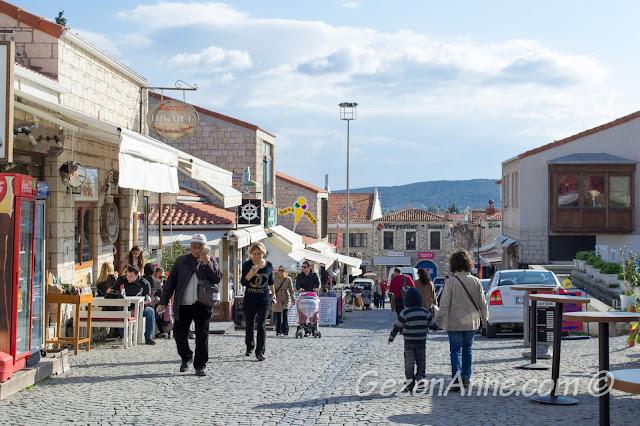 Alaçatı çarşısında dolaşırken, Çeşme İzmir