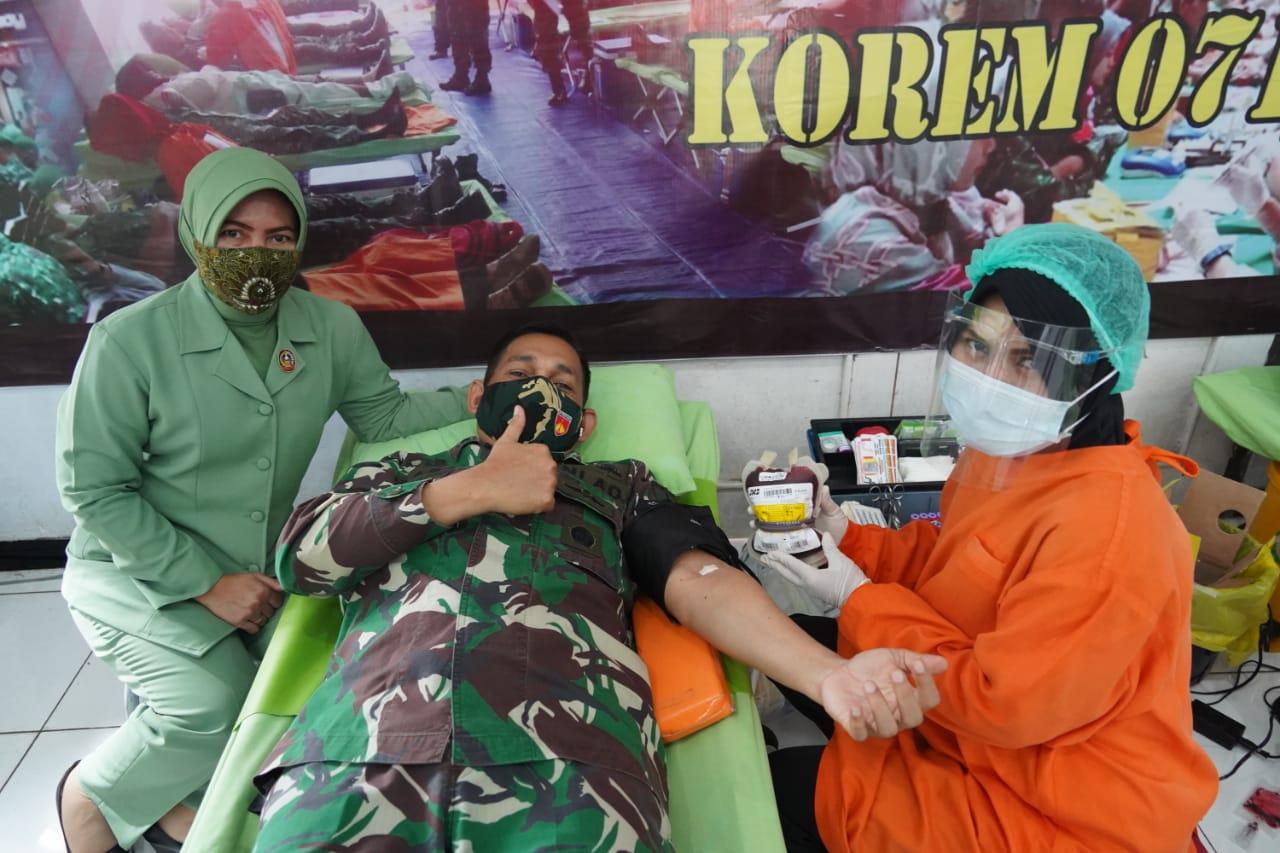Peringati Juang TNI AD TA 2020, Korem 071/Wijayakusuma Peduli Sesama Gelar Donor Darah