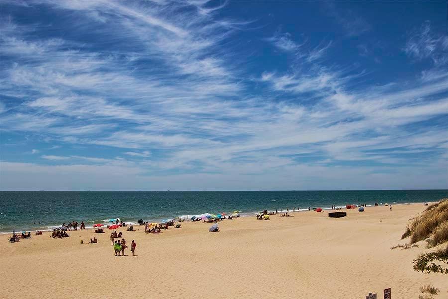 Playa El Puntalillo o Piedras Gordas en Rota, Cádiz