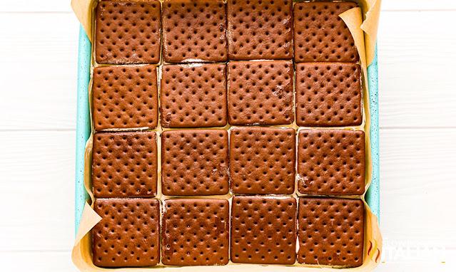 oreo ice cream sandwich layer