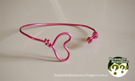 Cómo hacer una pulsera con alambre.