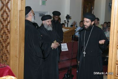 Pope Shenouda visit to St Mark - 2005 - pope_shenouda_at_st_mark_11_20090524_1869838795.jpg