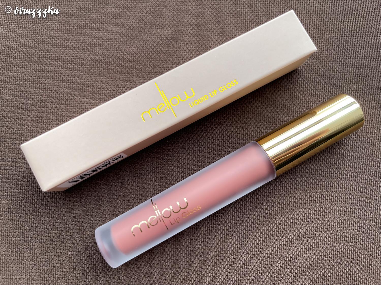 MELLOW COSMETICS Lip Gloss в оттенке St Tropez Review Swatches