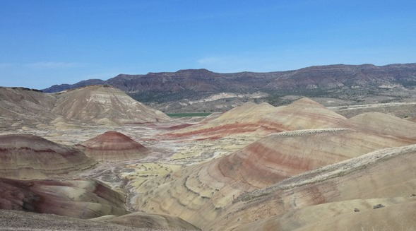 Painted Hills Panarama2