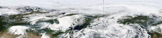 Smoke from forest fires in Siberia travels over the North Pacific and descends on North America, 23 July 2018. Photo: NASA Worldview