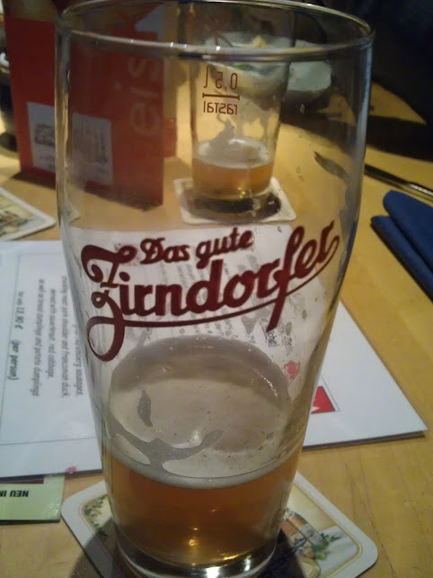 Bild vom nahezu leeren Glas Zürndorfer Kellerbier