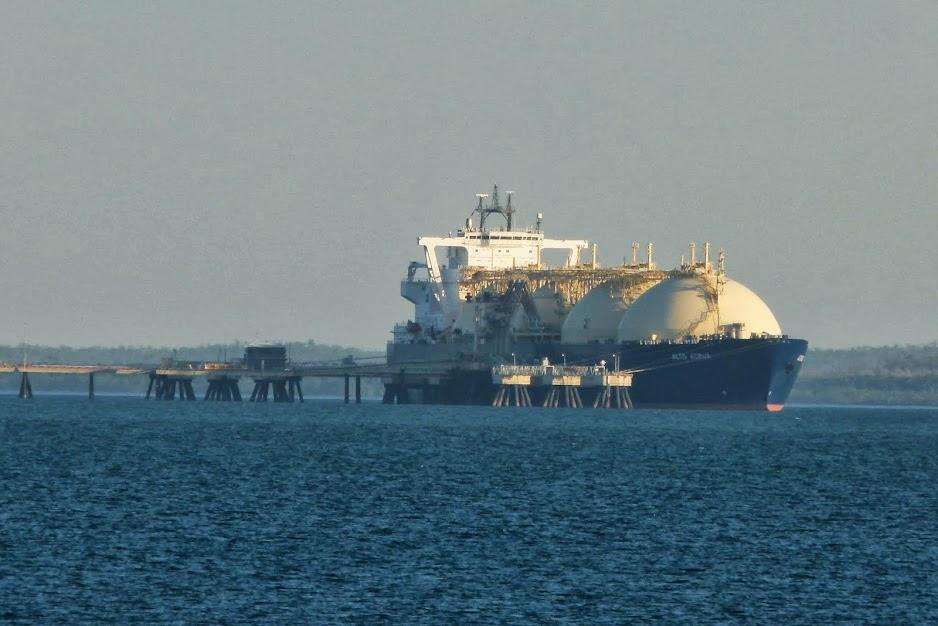 LNG loader Darwin