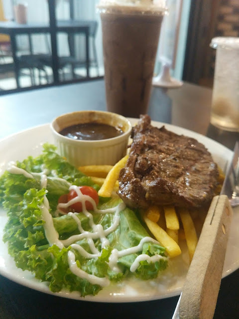 MAKAN DI EYE STEAK KILANG BATERI