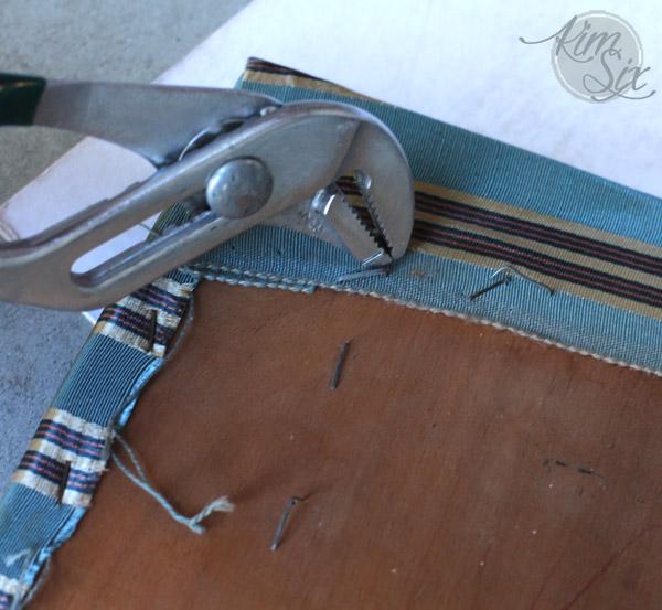 Removing upholstery staples