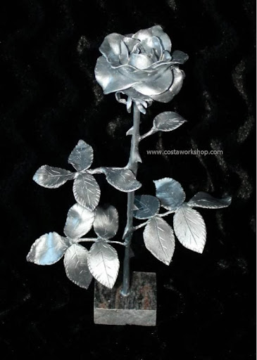 zilveren Roos van klei w.jpg