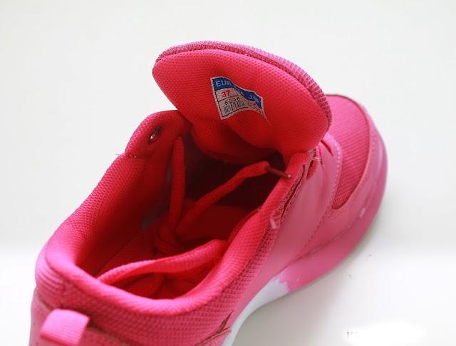 Женские кроссовки Geoffroya