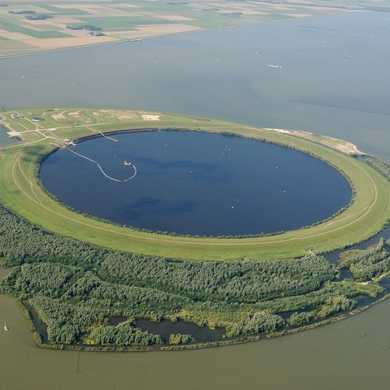 IJsseloog: A Sludge Storage Tank in the Middle of a Lake