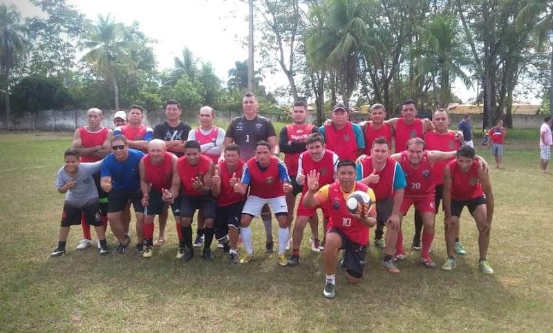 Equipe do Sargento Eliseu e Sargento Yahoo foi campeã da Copa Veterano de futebol neste domingo