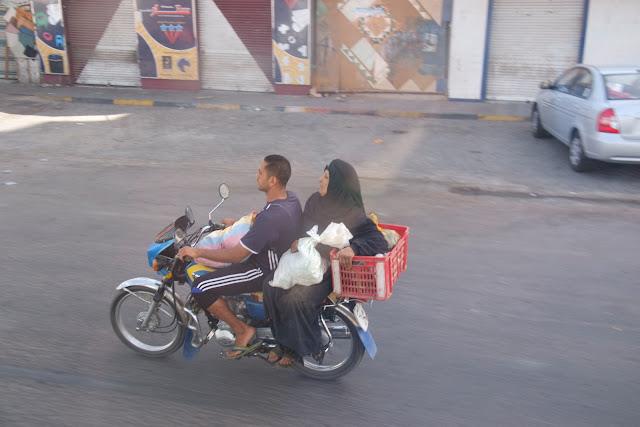 فى مصر الرجل تدب مكان ماتحب ( خاص من أمواج ) 100606-152616-f