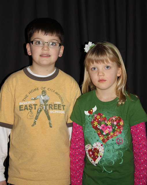 2009 Clubhouse Christmas Decorating Party - Grandkids1.JPG