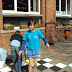 Leerlingenraad in actie op de speelplaats (04/2011)