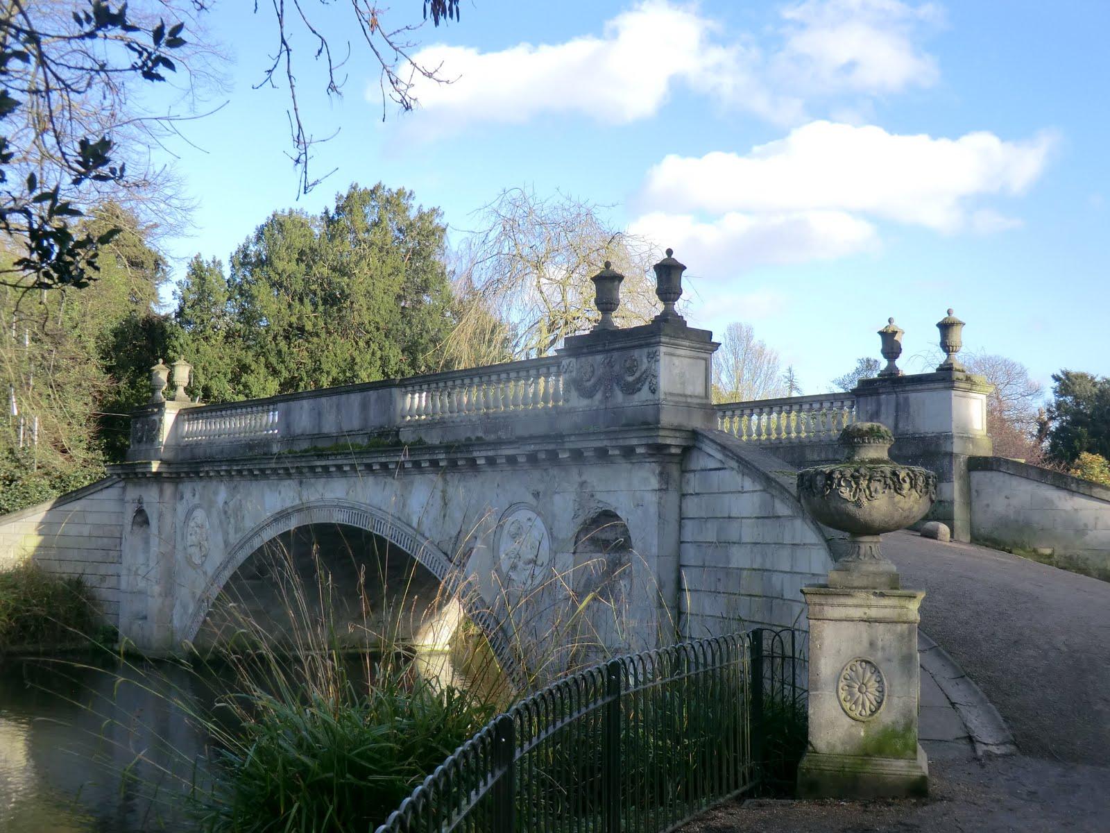 CIMG2527 Classic Bridge, Chiswick House