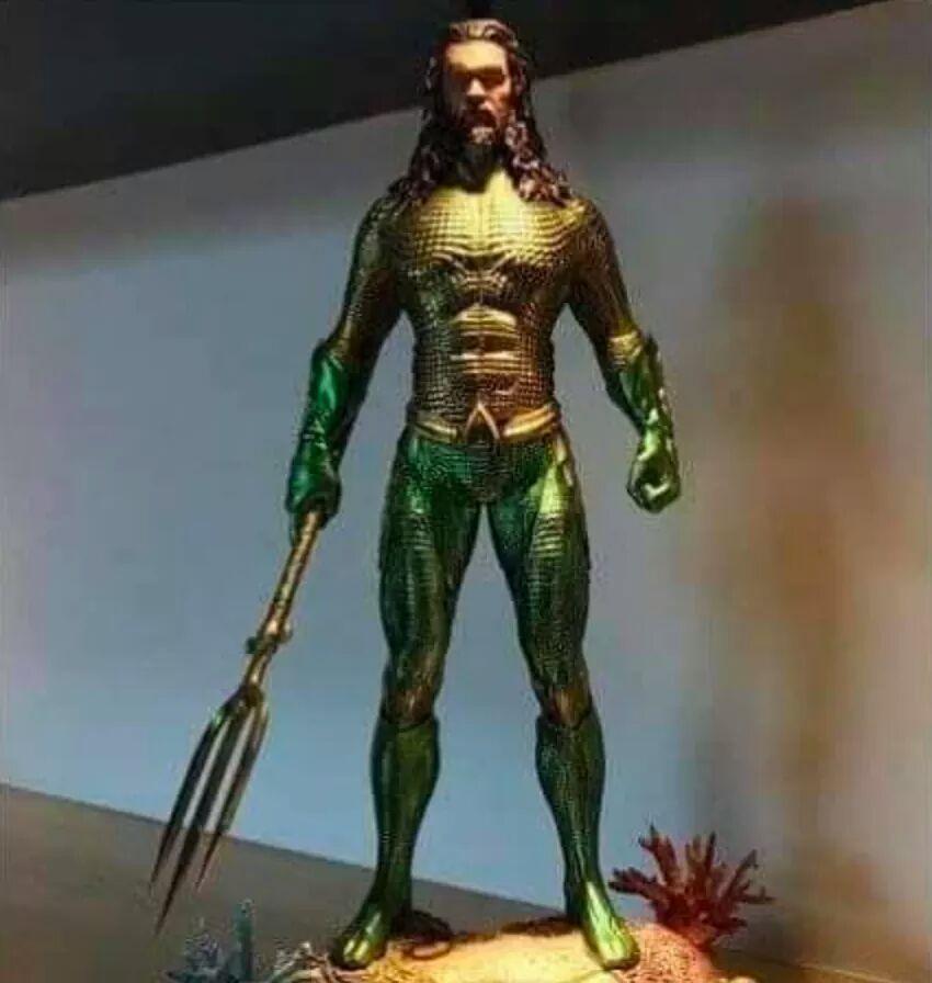 Aquaman: Jason Momoa indosserà il costume classico nel film