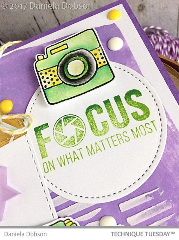 Focus close 2 by Daniela Dobson