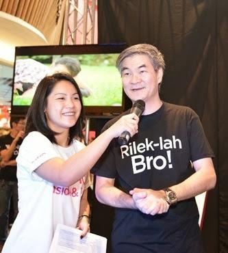 Ezra (MIX FM) dan Henry Tan, COO Astro