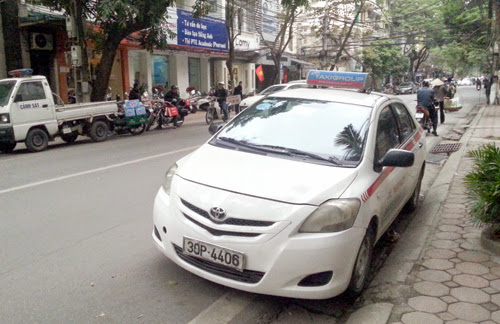 taxi-1807-1423130182.jpg
