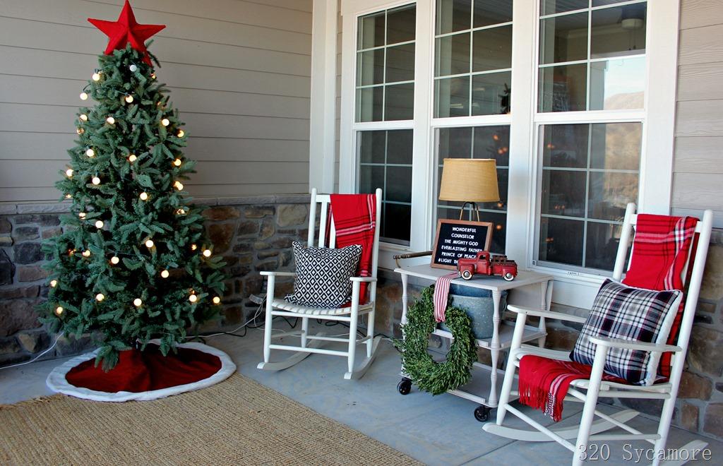 [christmas+front+porch%5B5%5D]