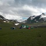 Le campement près de l'Alabel Pass, 3300 m (Kyrgyzistan), 27 juin 2006. Photo : B. Lalanne-Cassou