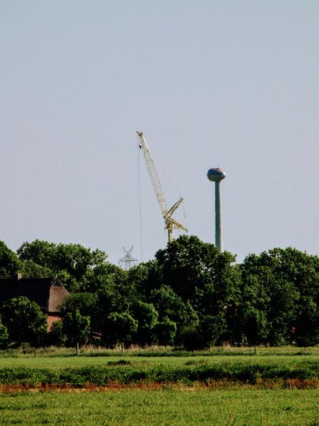 WEA Aufbau in der Wilstermarsch - Foto (c) www.windwahn.com