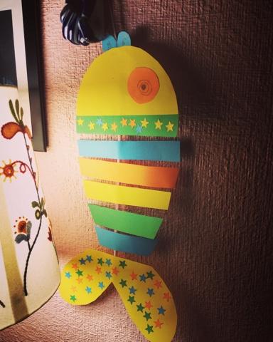 DIY Manualidades con niños recicla pez de colores