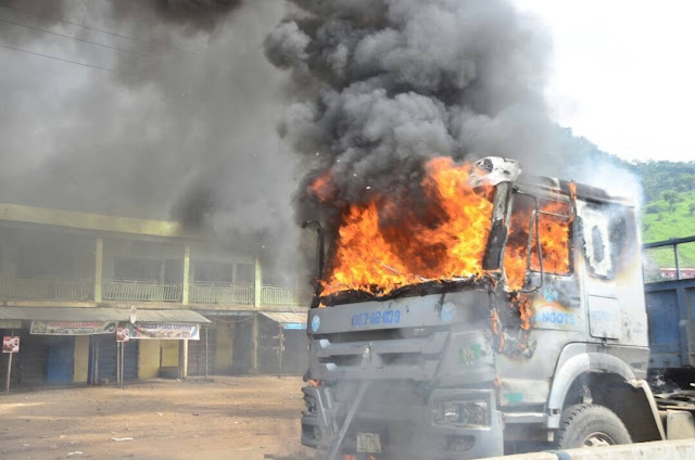 Kogi Poly Students Burn Dangote Truck As They Riot Over Death Of Colleague Killed By Dangote Truck (Graphic Photos)