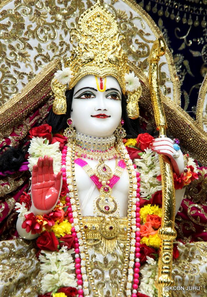 ISKCON Juhu Sringar Deity Darshan on 11th Sep 2016 (56)