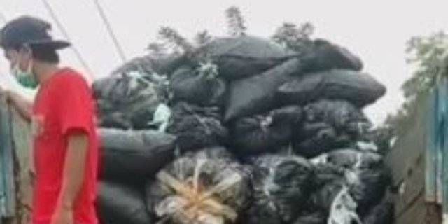 Beredar Video Tumpukan Kantong Sampah Diklaim Masker Bekas Diangkut Truk